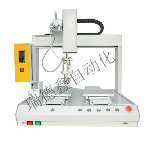 国内生产点胶设备基本都使用plc点胶控制器